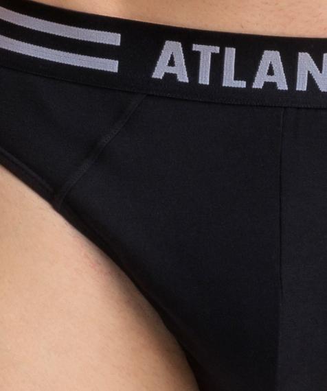 W 3-packu znajdziesz czarne slipy męskie. Dwie sztuki bielizny pokryte są kolorowymi żaglówkami, a jedna jest gładka #5